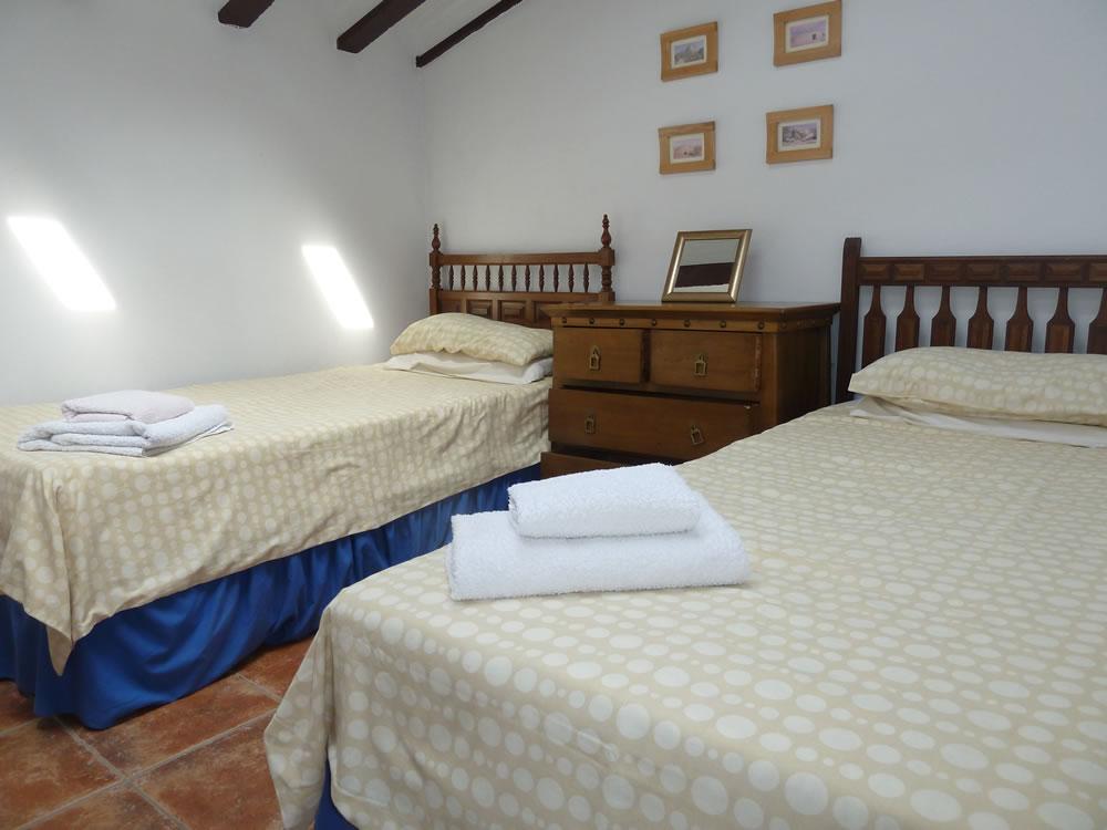 1st floor Twin Bedroom