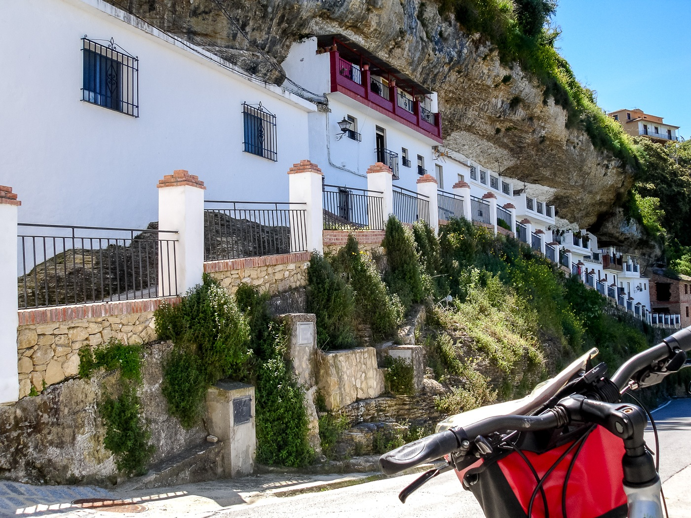 S-cape-Ronda-and-Seville-bike-in-Setenil-17