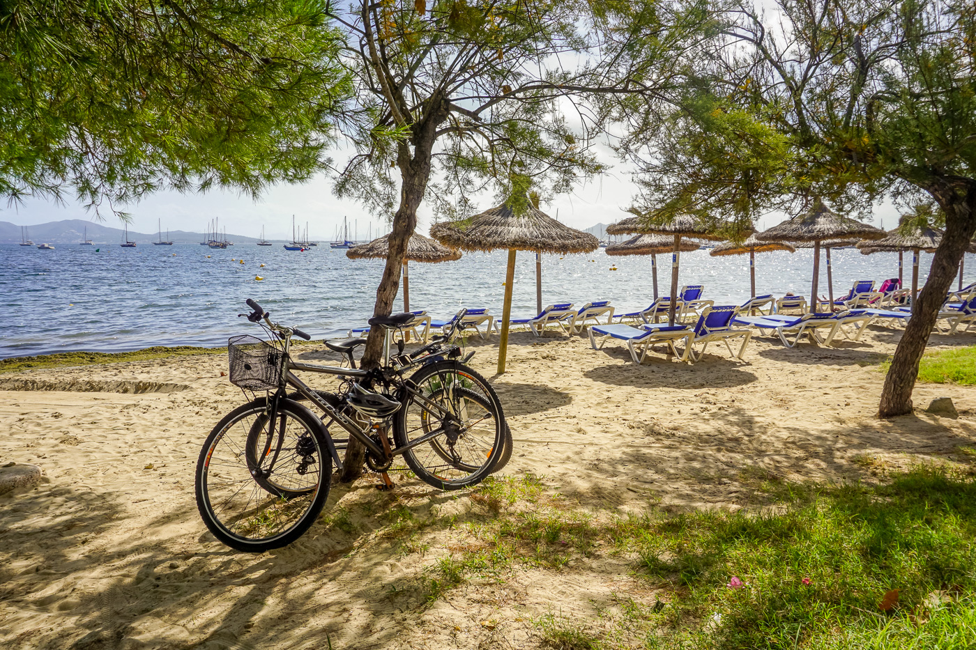s-cape-travel-MALLORCA-bikes-parked-by-the-sea-7